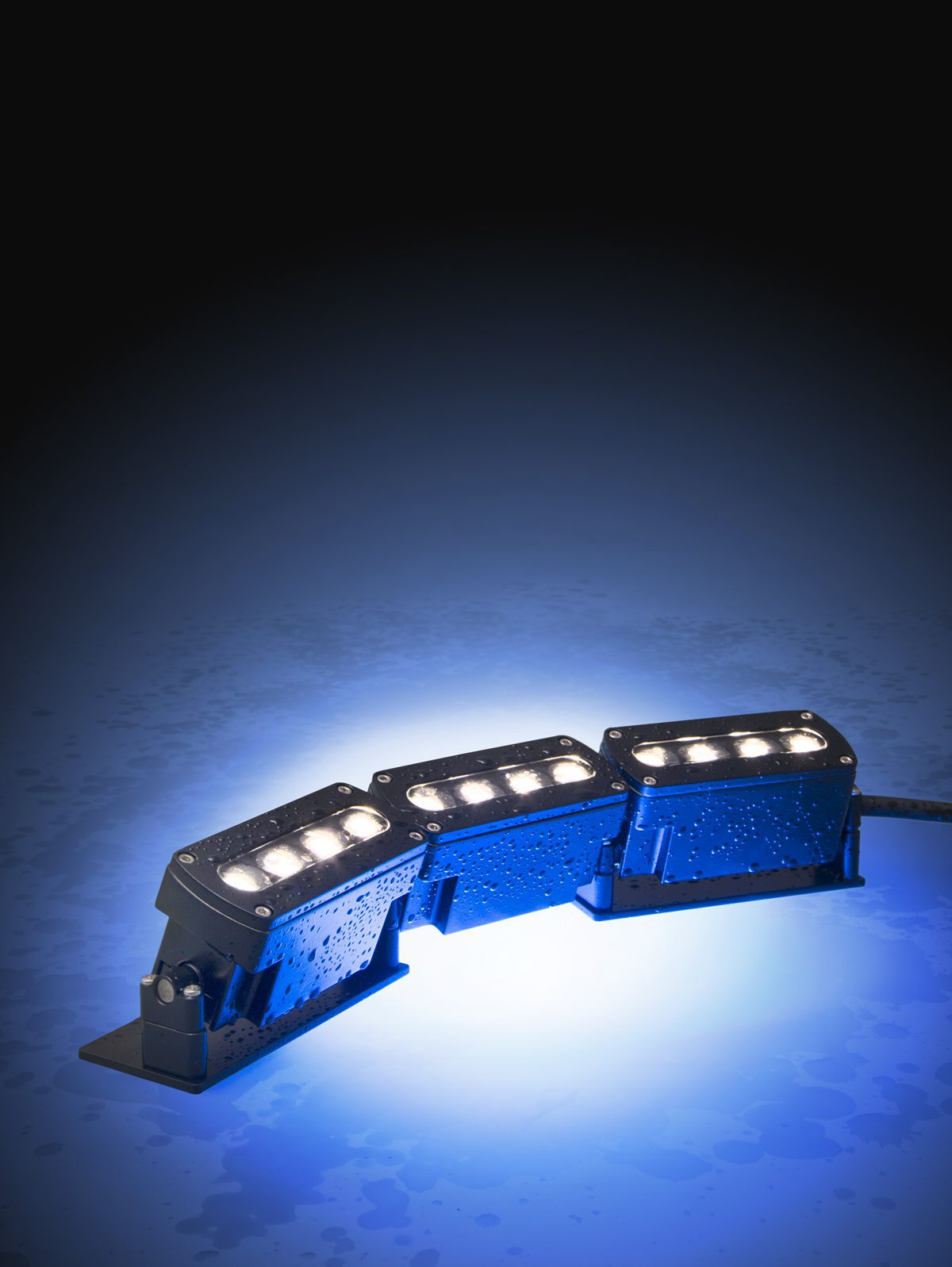 Luminaires make a splash architecture today for Underwater luminaire for swimming pool
