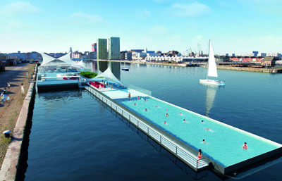 120 metre long floating deck for swimming and events for Floating swimming pool paris