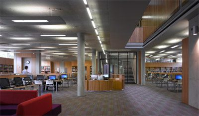 The open-plan library occupies the entire ground gloor